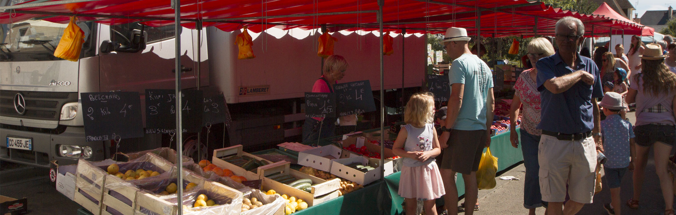 Retrouvez toutes les saveurs du Pays de Vire lors des marchés qui ont lieu le matin sur son territoire :    Le mardi  à VassyLe mercredi à Villers-BocageLe 1